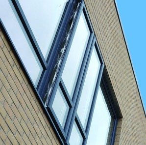 PR2054 Parallel windows in REHAU TOTAL70 have been installed at the new Steiner Academy in Exeter 3